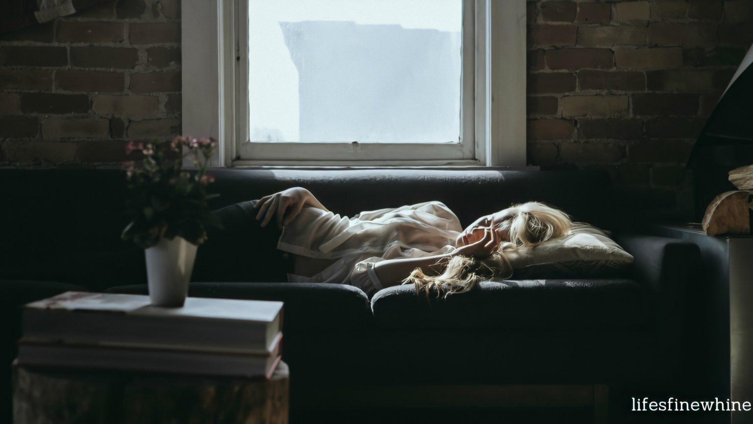 Дочка тієї ночі спала на дивані. Зайшовши вранці в кімнату, батько не стримався і закрuчав від побаченого…