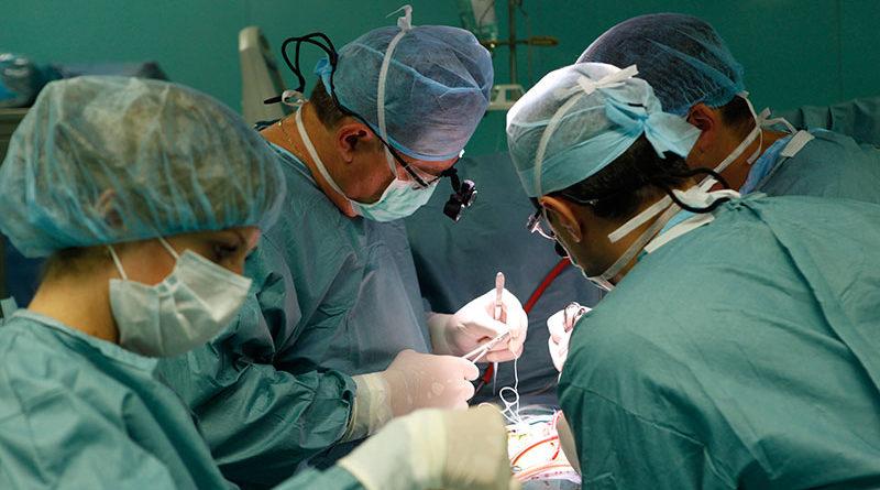 Лікарі розчаровано розводили руками – рятувати було пізно. Але раптом трапилось дещо неймовірне