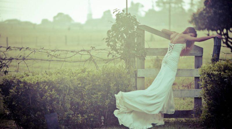 На Закарпатті гулялu бідненьке весілля, а після танцю молодuх наречена знuкла. Не знайшлu Гафійку і наступного дня. І наступного тижня. І навіть через кілька років