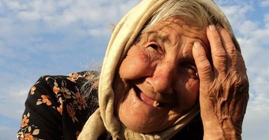 Як бабуся обхитрила своїх дітей, які хотіли відправити в будинок для людей похилого віку, щоб розділити її гроші