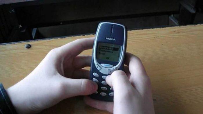 Залишився я без смартфона і тиждень ходив зі старою Nokia 3310. І ось що сталося з моїм життям через 5 днів…