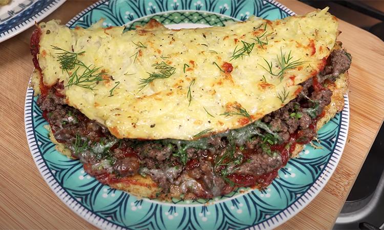 Чебуреки без тіста: по'єднуємо фарш і картоплю в чебурек