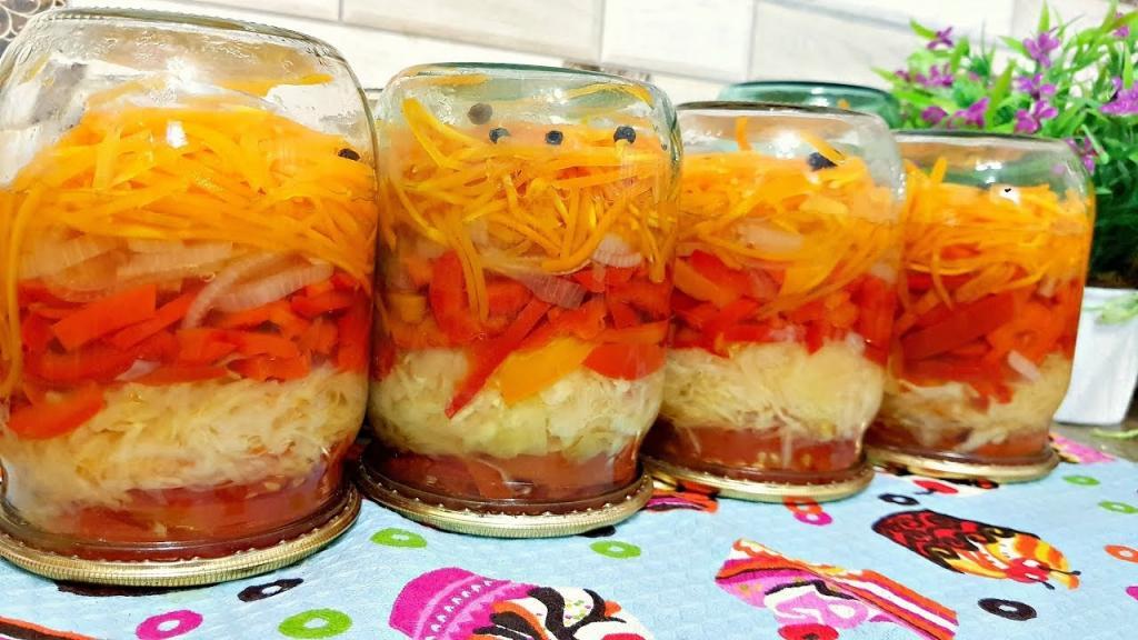 Заготовлюю на зиму смачний і корисний вітамінний салат: головне, варити нічого не потрібно